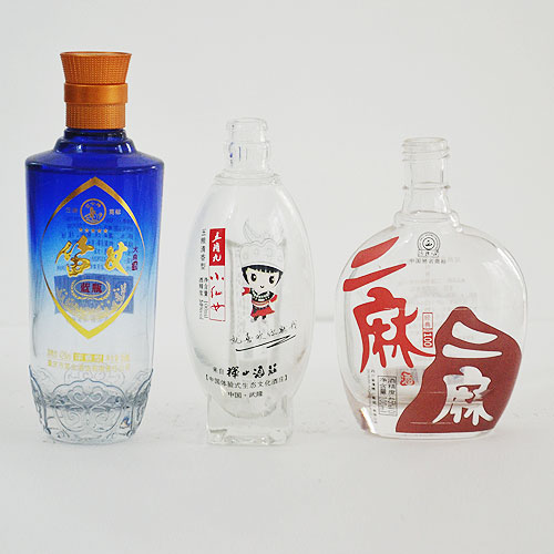 晶白喷釉玻璃酒瓶